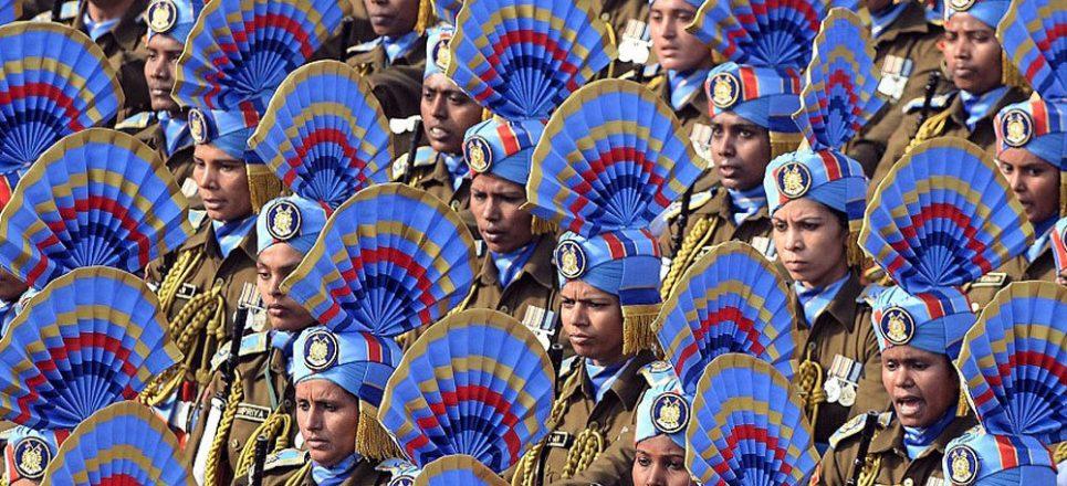 نیروهای ارتش هند، به مناسبت روز جمهوری این کشور، رژه رفتند. فرانسوا اولاند، رئیس جمهور ...